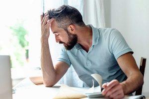 Triệu chứng đau buốt rát nhức ở đầu dương vật là bệnh gì?
